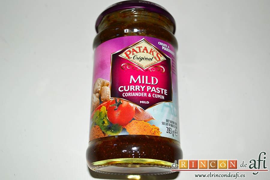 Crema de verduras con curry, preparar la pasta de curry