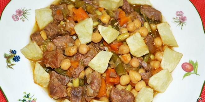 Guiso de ternera con verduras y garbanzos