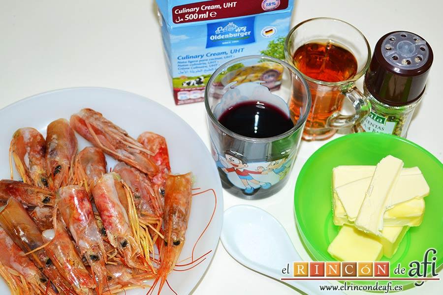 Estofado de setas y gambones, preparar los ingredientes para hacer el fondo del estofado