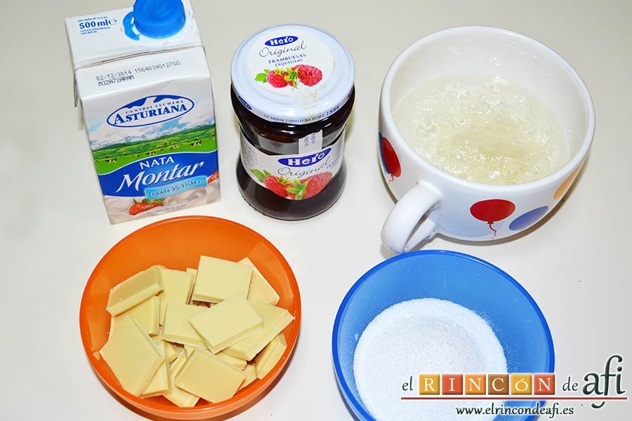 Panacota de chocolate blanco con mermelada de frutos rojos, preparamos los ingredientes