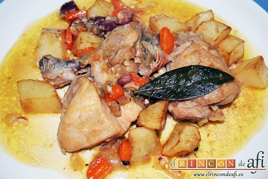 Pollo con salsa de almendras, sugerencia de presentación