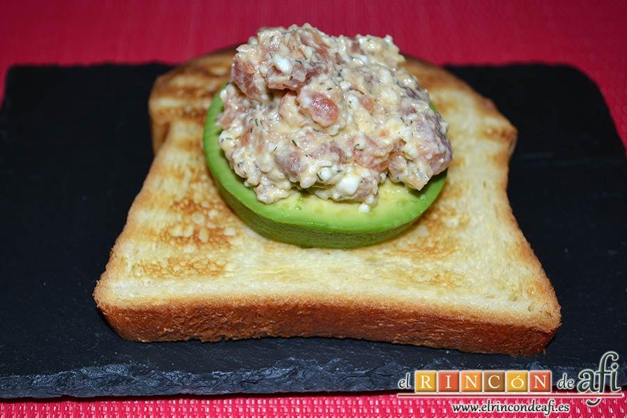 Rilletes de salmón marinado a la mostaza, sugerencia de presentación