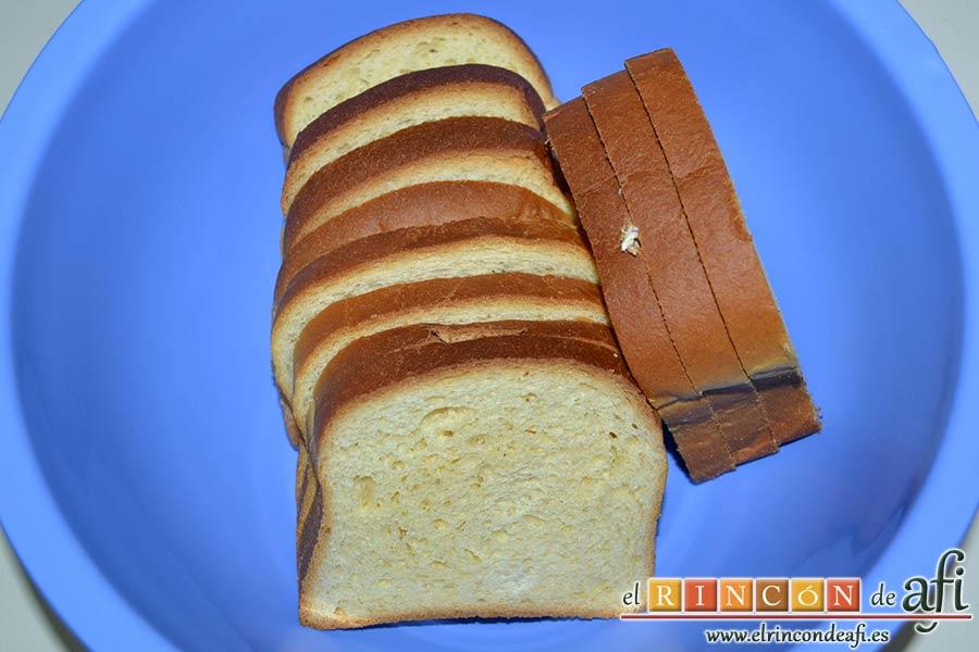 Tarta de brioche y vainilla, colocar en un bol las rebanadas de pan de brioche