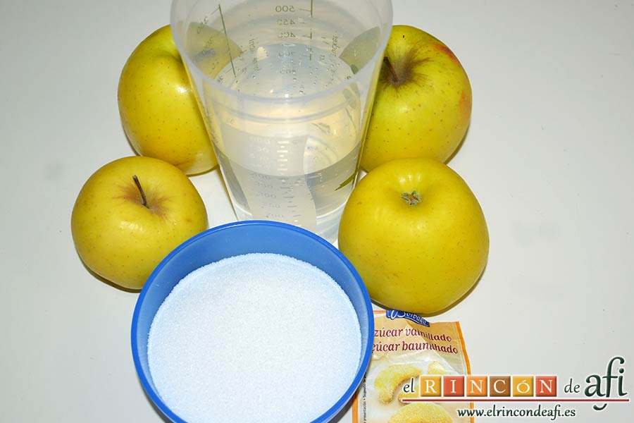 Tarta de manzana especial, preparar los ingredientes de la compota