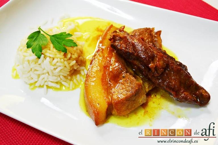 Costillas de cerdo con curry y miel, sugerencia de presentación