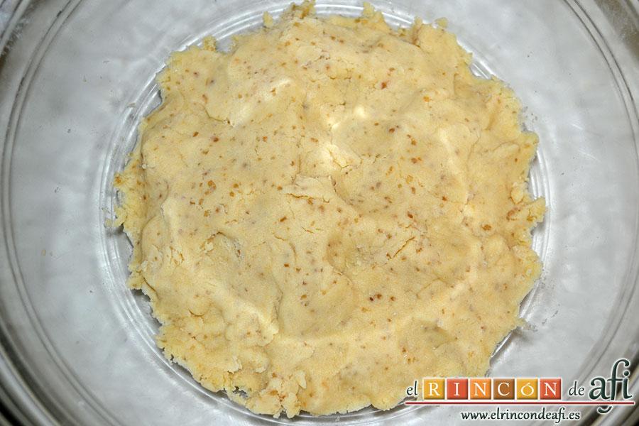 Minitartaletas de mermelada de Lorraine Pascale, amasar hasta conseguir una pasta