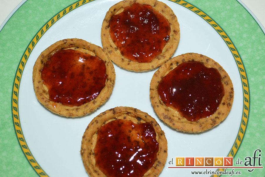 Minitartaletas de mermelada de Lorraine Pascale, rellenar con mermelada