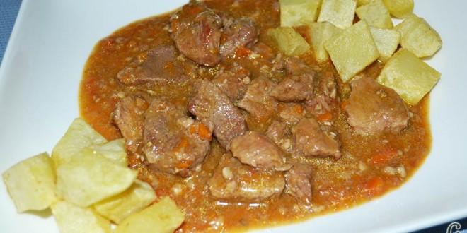 Ternera en salsa con cominos, cerveza y nueces