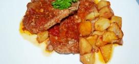 Chuletas de cerdo de cuello en salsa