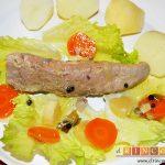 Bonito listado escabechado con verduras