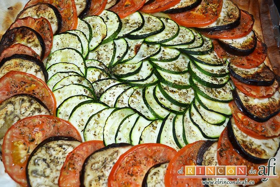 Tarta de verduras, hornear y dejar atemperar