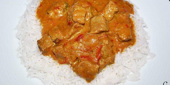 Ternera con pasta de curry