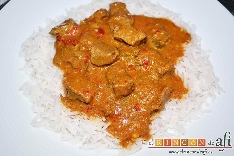 Ternera con pasta de curry, sugerencia de presentación
