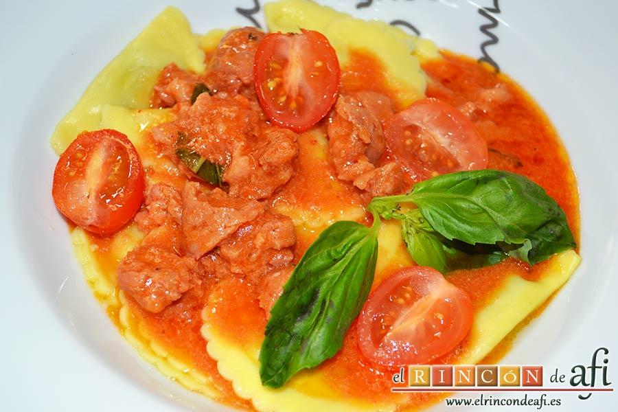 Pasta fresca al huevo con salsa de chorizo, sugerencia de presentación