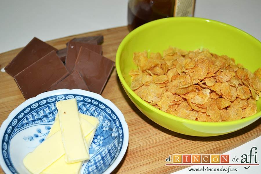 Crujientes de copos de maíz y chocolate, preparamos los ingredientes