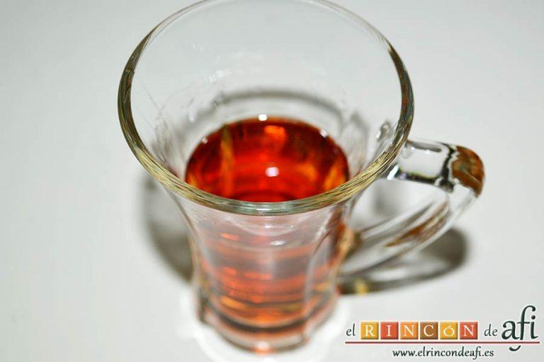 Solomillo de ternera con salsa de brandy, añadir el brandy