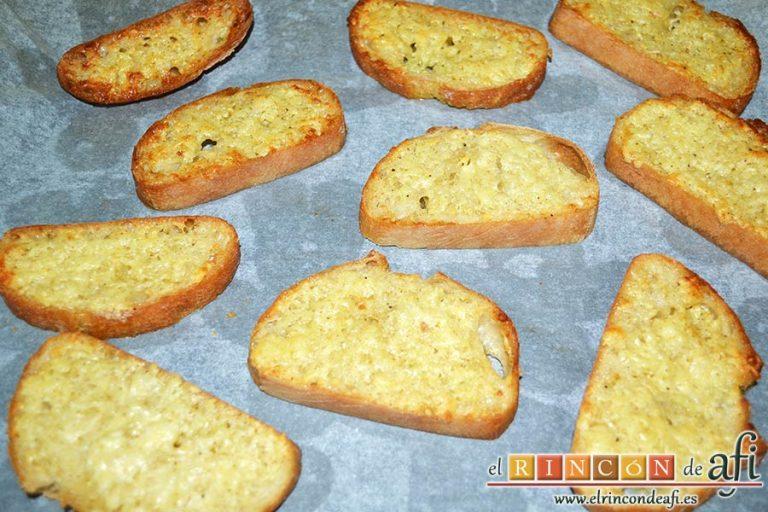 Pan de ajo gratinado, meter al horno hasta que quede dorado