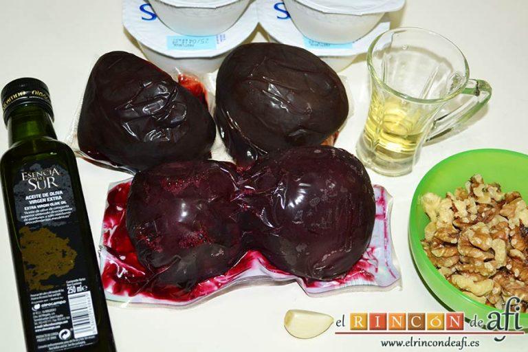 Ensaladilla de remolacha o patzarosalata, preparar los ingredientes