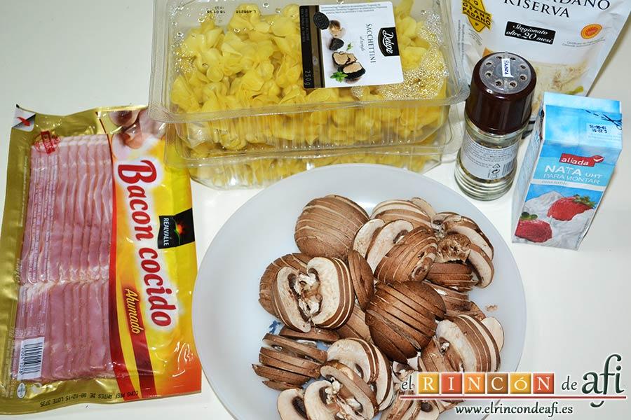 Pasta cremosa con panceta, champiñones y parmesano de Lorraine Pascale, preparar todos los ingredientes