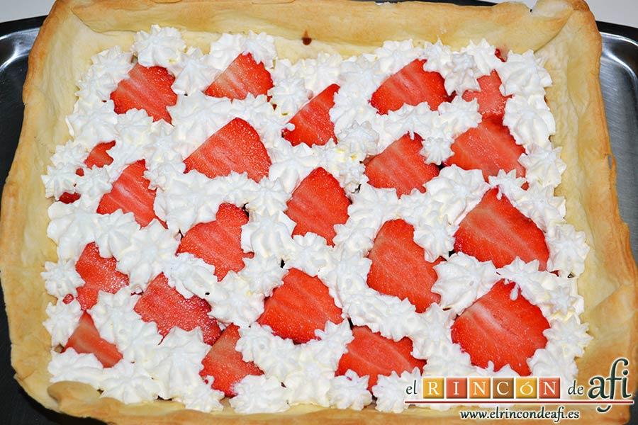 Tarta sorpresa de fresas y nata