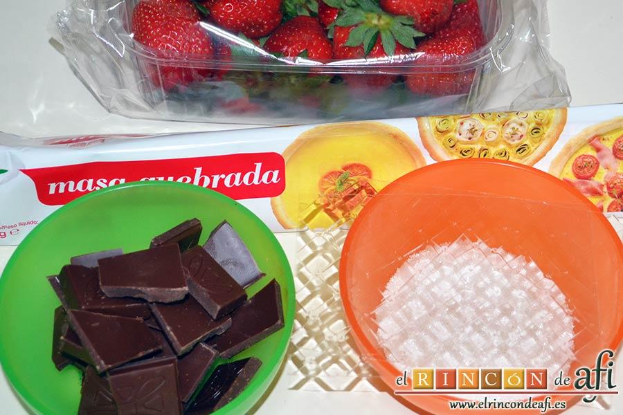 Tarta sorpresa de fresas y nata, preparar los ingredientes