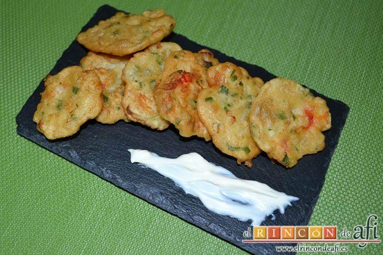 Tortillitas de gambones, sugerencia de presentación