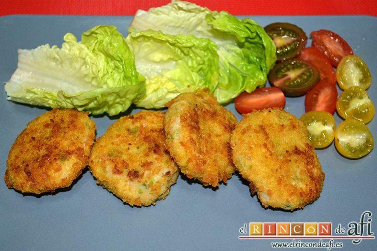 Tortitas de atún y papas, sugerencia de presentación