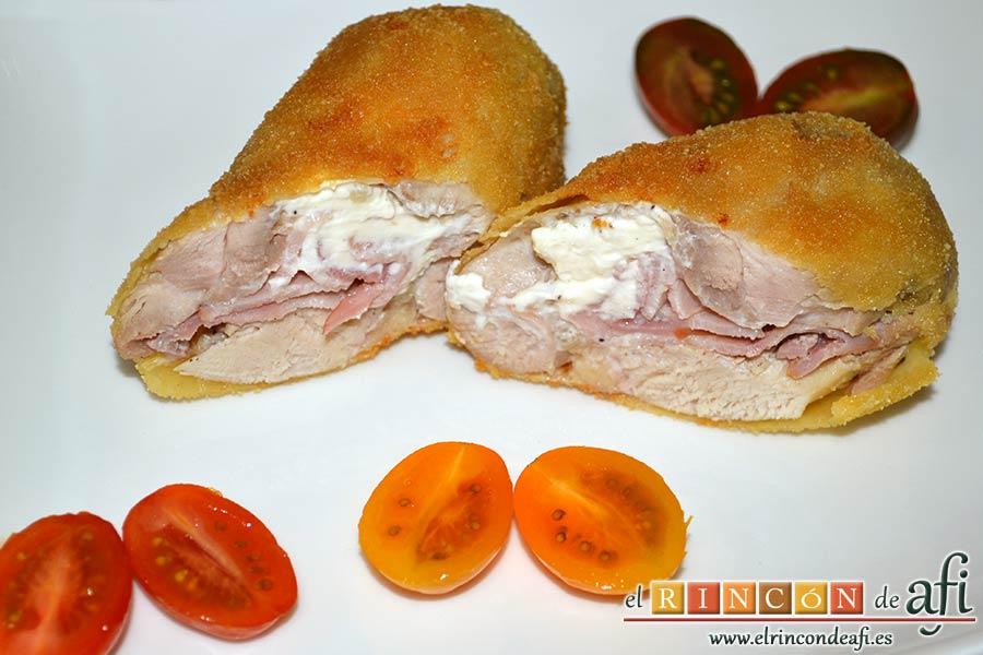 Muslos de pollo rellenos de queso y bacon, sugerencia de presentación