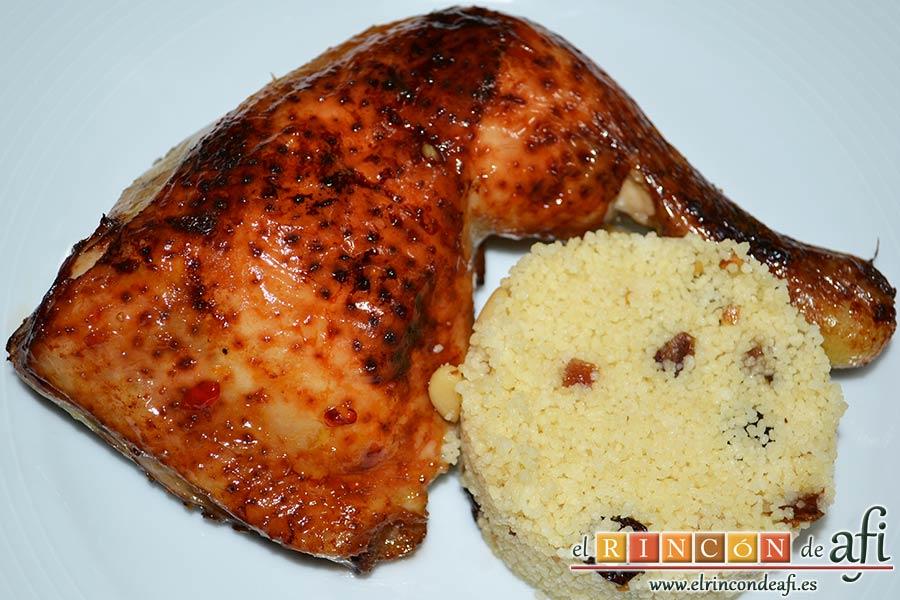 Pollo al horno con salsa de chile dulce y miel, sugerencia de presentación