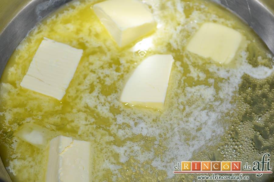 Coliflor gratinada con lacón, poner a derretir la mantequilla