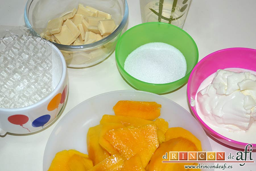 Crema de chocolate blanco con manga, preparar los ingredientes