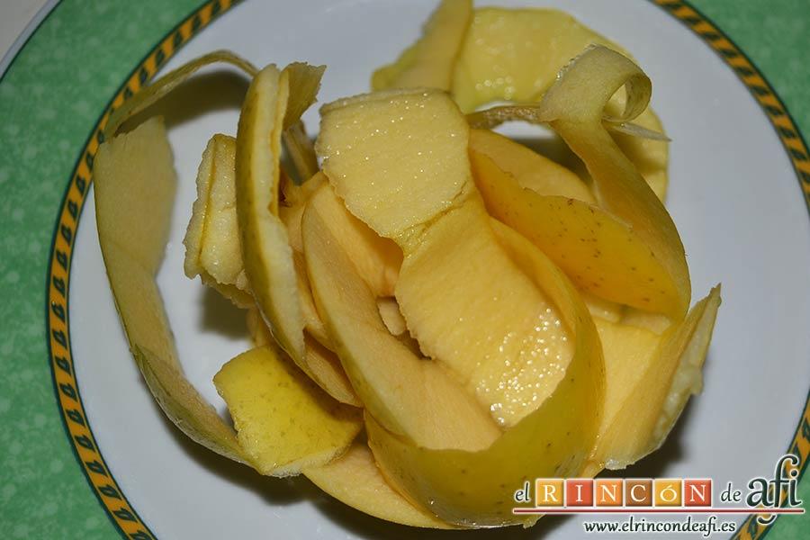 Quiche dulce de peras y mangas, usamos la cáscara de la manzana para hacer un almíbar