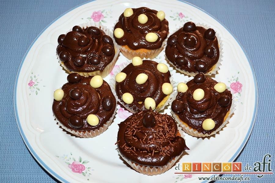 Magdalenas con frosting de chocolate, sugerencia de presentación 2