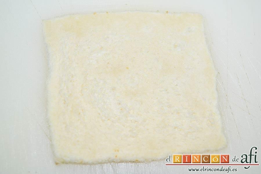 Enrolladitos de paté Mano de Hierro y pan de molde, hasta que queden con un grosor de 2 mm