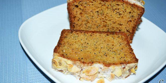 Bizcocho de queso crema con semillas de amapola