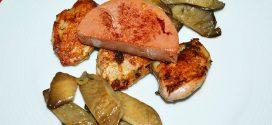 Pechugas de codornices marinadas con setas de cardo y mousse de pato