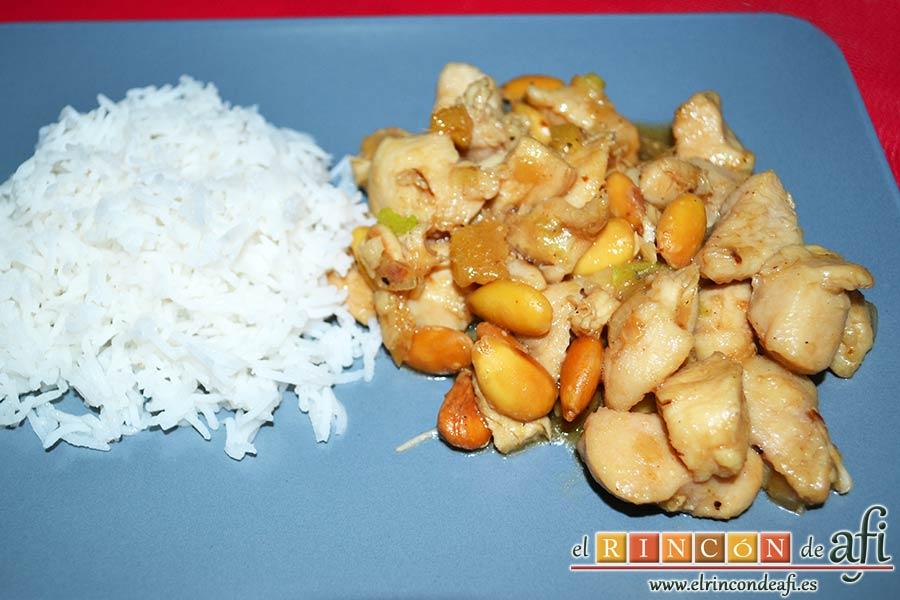 Pollo con almendras al estilo chino, sugerencia de presentación