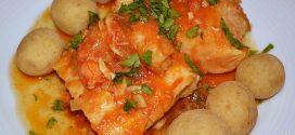 Bacalao en salsa de azafrán y gambones