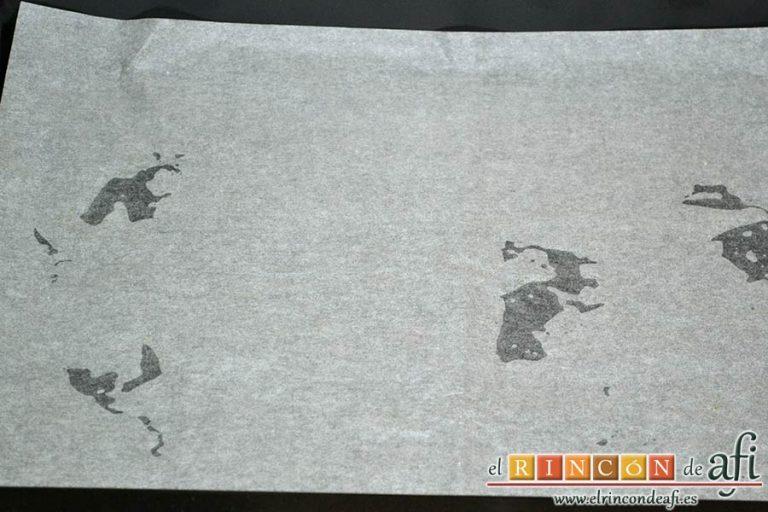 Bizcocho genovés, forrar una bandeja de horno con papel de hornear