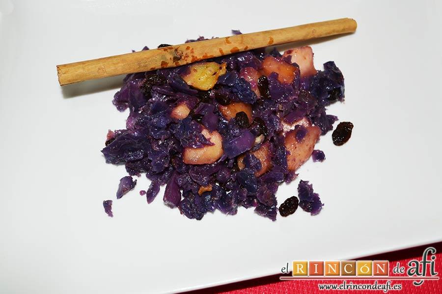 Lombarda rehogada con manzana, pasas y canela