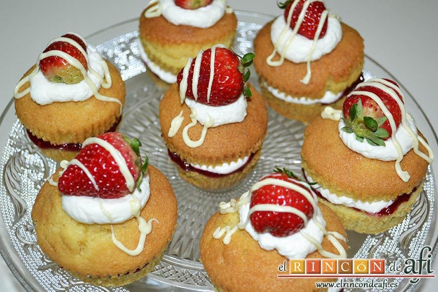 Minitartitas de fresa de Lorraine Pascale, sugerencia de presentación