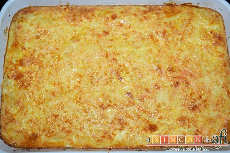 Pastel de bacalao, meter en el horno con cuidado de que no se queme la superficie