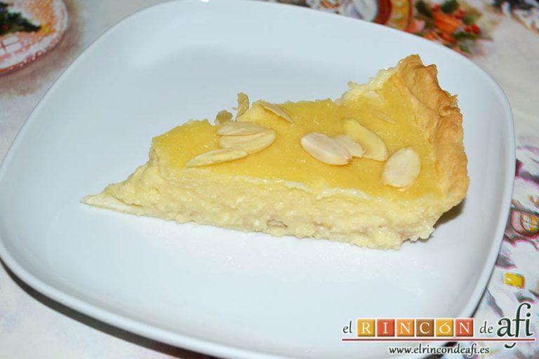 Tarta de crema franchipán con manzanas y almendras, sugerencia de presentación