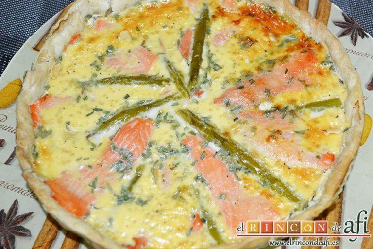 Tarta de salmón marinado y espárragos trigueros, dejar enfriar