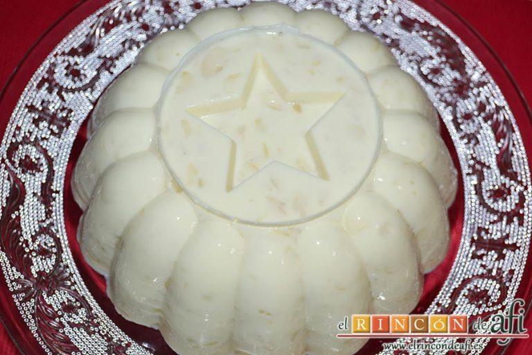 Pastel de cuajada con almendras, dejar enfriar a temperatura ambiente y luego en nevera, y desmoldar