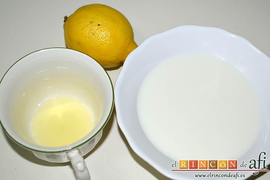 Penne con calabacines, limón y bacon, preparar la nata o crema agria