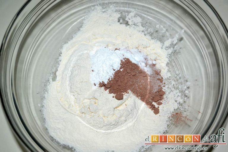 Red Velvet Cookies, mezclar en un bol los ingredientes secos