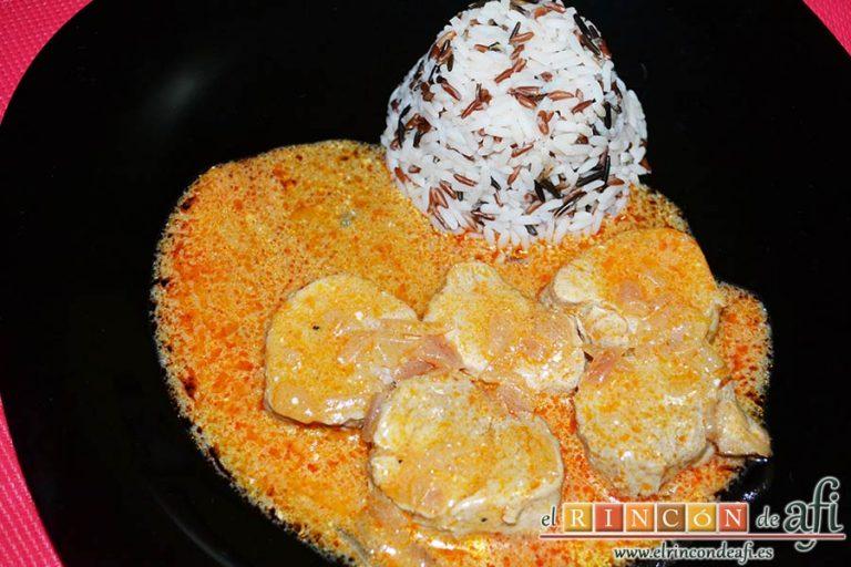 Solomillo de cerdo en salsa de paprika, sugerencia de presentación