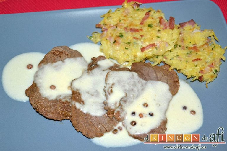 Tortitas de papas y bacon, sugerencia de presentación