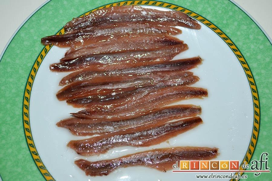 Paté de atún y anchoas, escurrir y limpiar las anchoas
